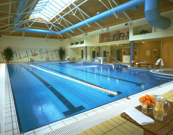 Tullamore court hotel from 132 1 4 6 updated 2017 - Cheap hotels in ireland with swimming pool ...