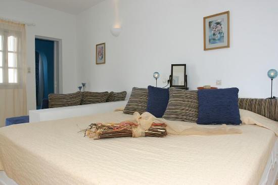 Tzekos Villas: Guest room