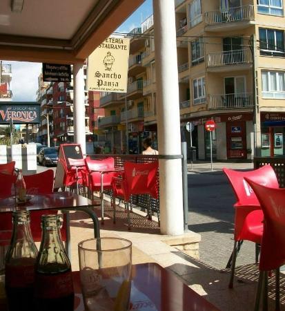 Restaurante Sancho Panza: tavoli esterni