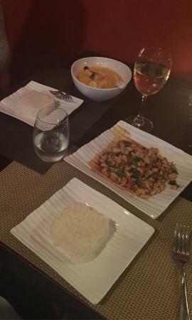 Khaw Glong Thai Restaurant: photo1.jpg