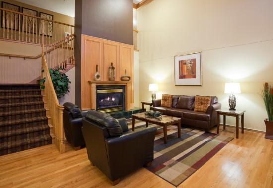GrandStay Hotel & Suites Stillwater: Lobby