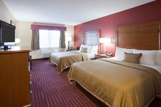 GrandStay Hotel & Suites Stillwater: Two Queen Room
