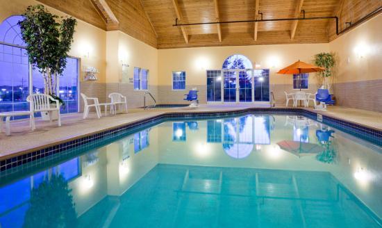GrandStay Hotel & Suites Stillwater: Indoor Pool & Whirlpool