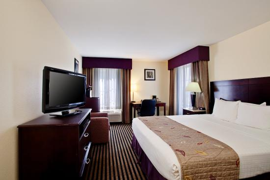 La Quinta Inn & Suites NE Long Beach/Cypress: Guest room