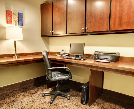 Comfort Suites Gulfport: MSBUSINESSCENTER