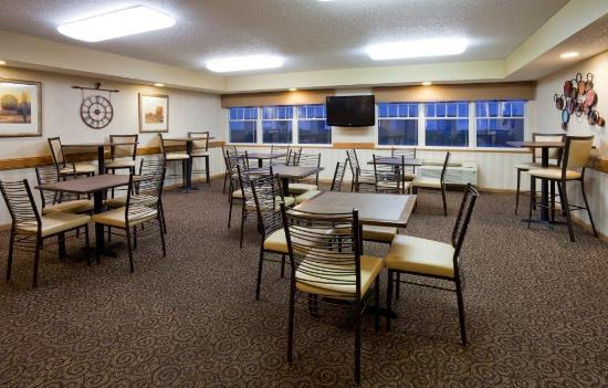 GrandStay Hotel & Suites Stillwater: Grand Start Breakfast Area
