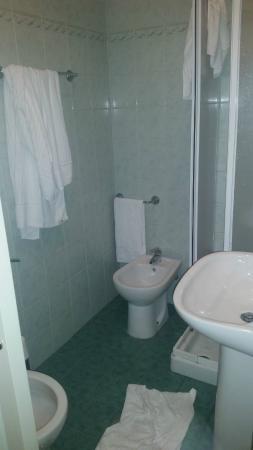 Hotel Oriente: Banheiro