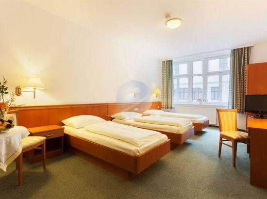 Hotel Pension Arian: 3 Twin beds