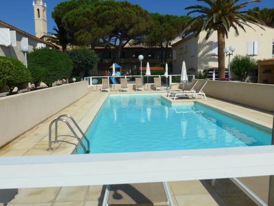 Piscine foto di hotel l 39 ondine algajola tripadvisor for Piscine ondine estaires