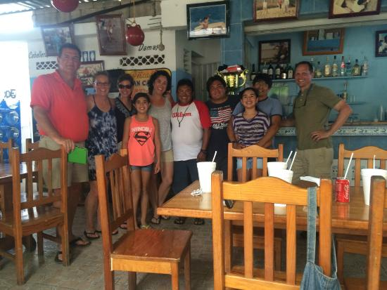 Buena Ventura Diving : Lunch with the entire Buenaventura gang.