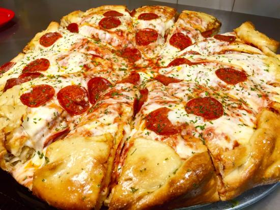 Disappointed with the pizza cake review of plato di for Platos de pizza