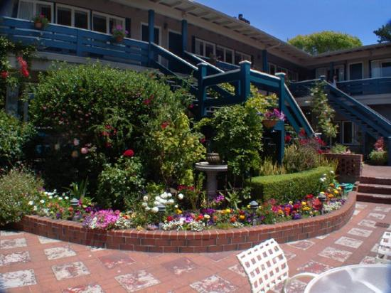 Carmel Wayfarer Inn