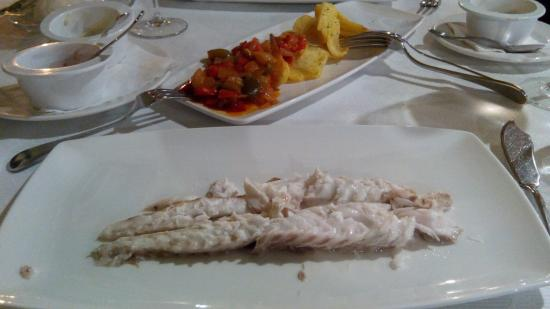 Restaurante Casa Guillermo: Lubina a la sal for two persons