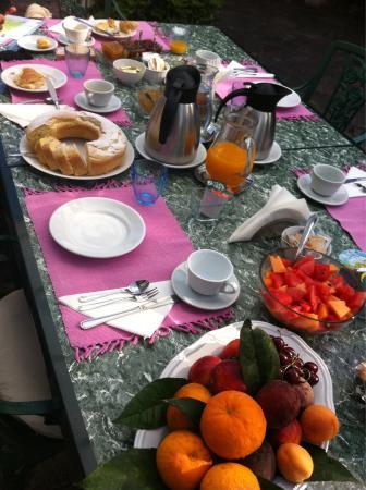 Villa Maresca: Colazione secondo giorno ! Buonissssssimaaa!!!!