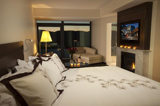 Sparkling Hill Resort: Penthouse Bedroom