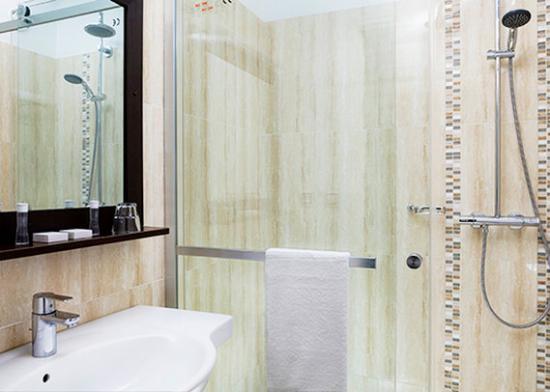 Inter Hotel Orly Draveil : Bathroom