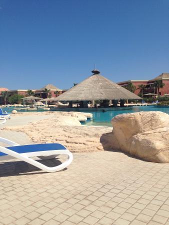 Laguna Vista Beach Resort: Main pool area