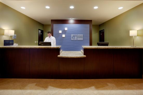 Holiday Inn Express Hotel Marble Falls: Front Desk