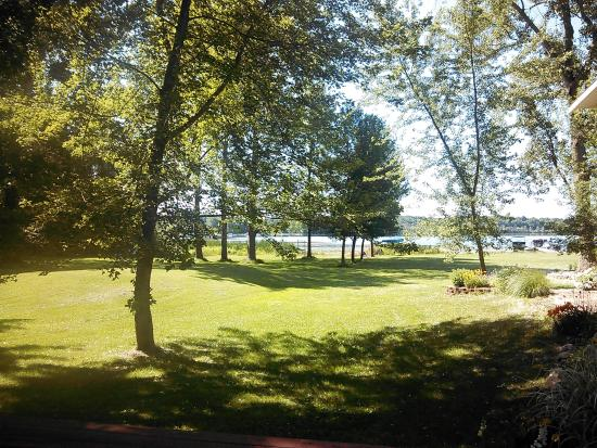 Bangor, MI: Van Auke Lake Cottage veiw
