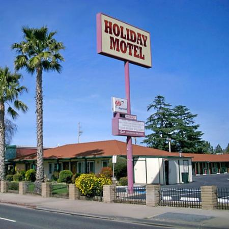 Holiday Motel Oakdale CAExterior