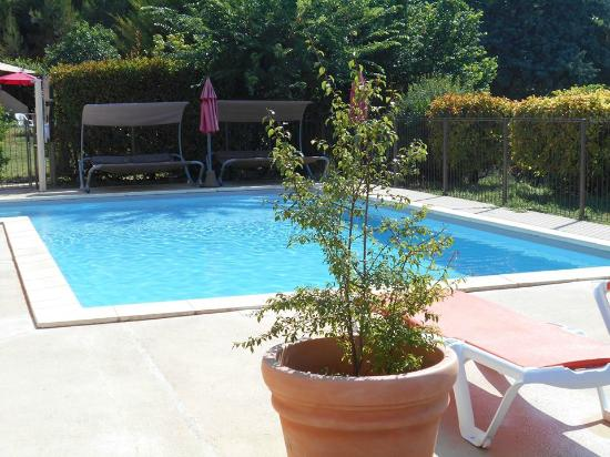la piscine picture of l 39 oustaou du luberon villelaure tripadvisor. Black Bedroom Furniture Sets. Home Design Ideas