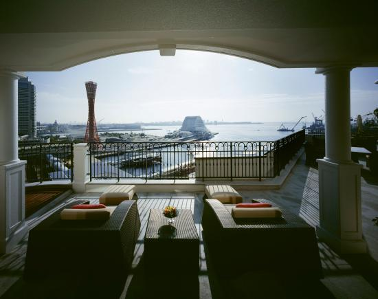 Hotel La Suite Kobe Harborland: On Kobe's waterfront with stunning harbour views