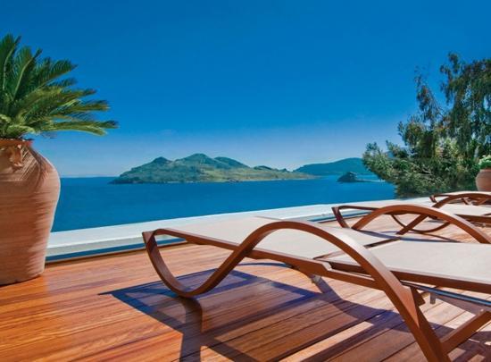 Photo of Petra Hotel & Suites Grikos