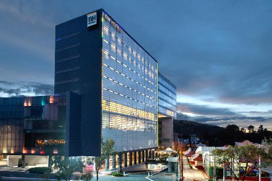 NH Mexico City Valle Dorado: Facade