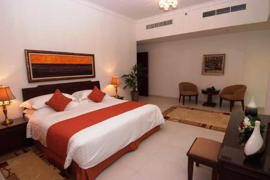 Marina Hotel Apartments: Guest room