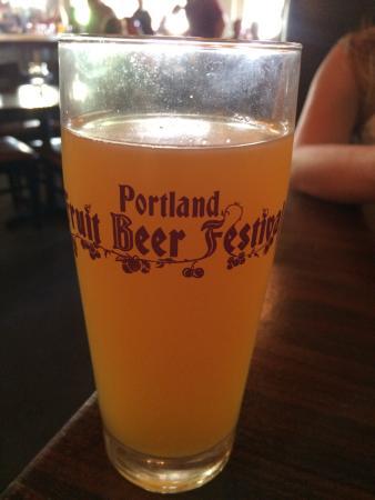 Burnside Brewing Company: Festival de cerveja de Portland