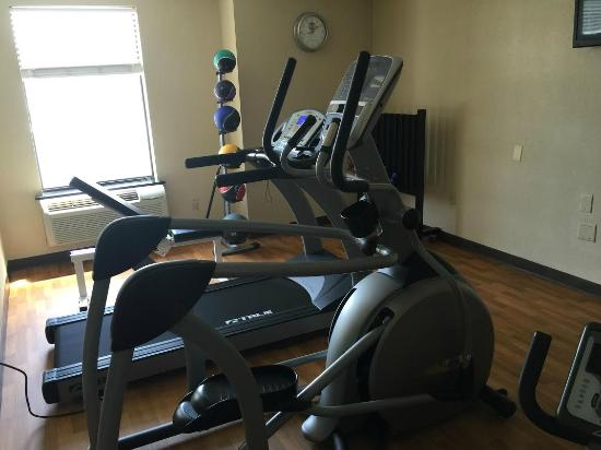 Clarion Inn & Suites: Fitness Center
