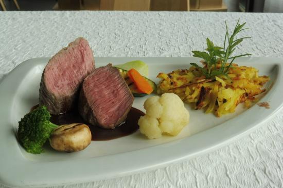 Hotel Restaurant Baeren: Lammrückenfilet mit Rösti