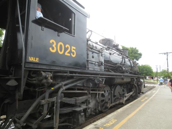 Essex, CT: A closer look at the engine.