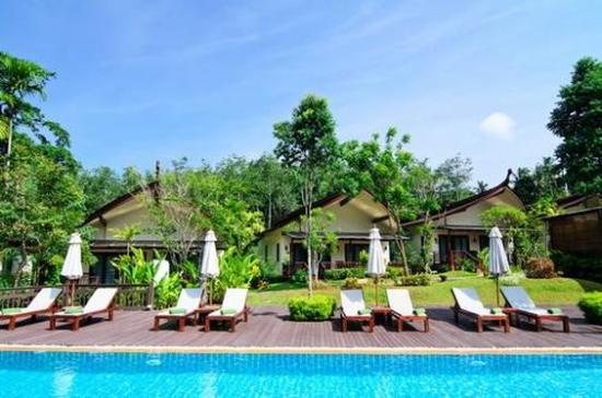 Aonang Phu Petra Resort, Krabi: Pool view