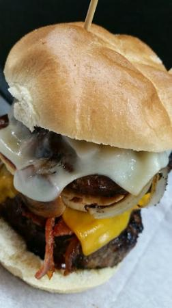 Swamp House Riverfront Grill: Nightmare Burger
