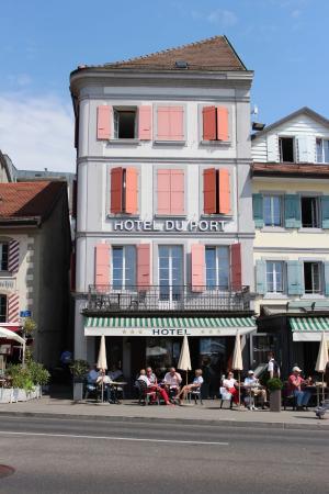 Vista da frente do Hotel Du Port