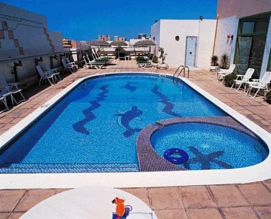 Pearl Residence: Pool view