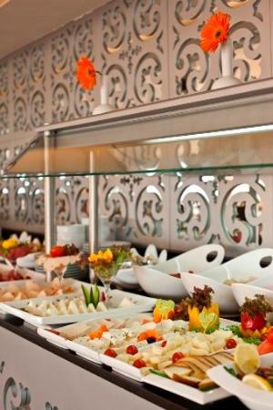 City Center Hotel: Restaurant