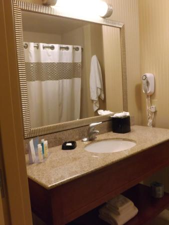 Hampton Inn and Suites Arcata, CA: room 230