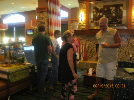 Hilton Garden Inn Oklahoma City – Bricktown : Gathering with friends in the lobby, morning hours.  Getting ready for a day on the farm.