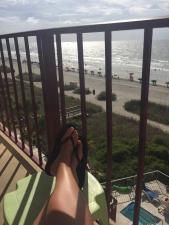 Gazebo Inn: Room 1511 new patio view much better!