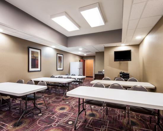 Comfort Suites Pecos: Meeting