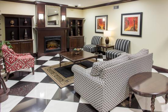 Evangeline Downs Hotel: LOBBY