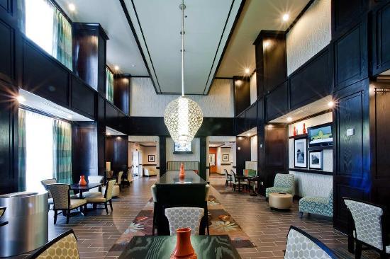 Hampton Inn & Suites Denison