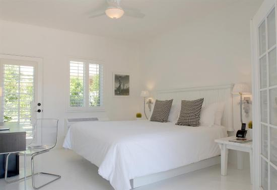 Alcazar Palm Springs: Guest room