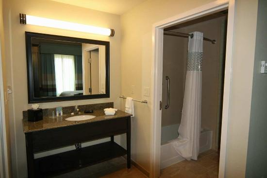 Hampton Inn & Suites Swansboro / near Camp Lejeune at Bear Creek Gate: King Studio Suite