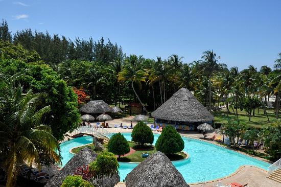 Brisas del Caribe Hotel: Vista aerea Piscina Principal