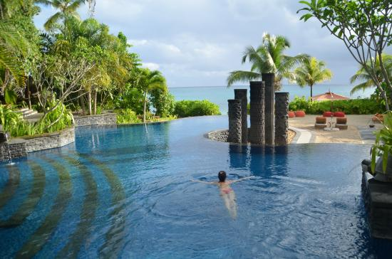 Velikolepnyj Bassejn Picture Of Maia Luxury Resort Spa Anse