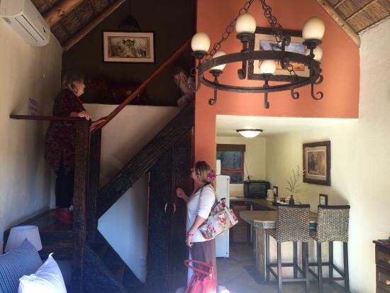 Nyaru Game Lodge: Inside a family unit.