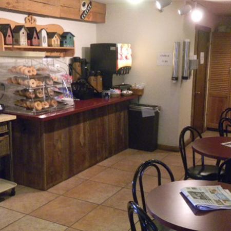 Country Inn of Lancaster : Breakfast Area